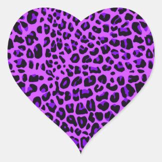 För leopardtryck för neon purpurfärgat mönster hjärtformat klistermärke