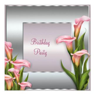 För liljafödelsedagsfest inbjudan för rosa Calla