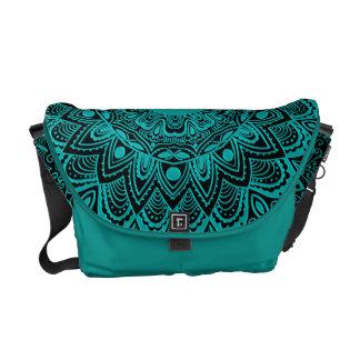 För MandalaMonogram för Mint grön färg för Kurir Väskor
