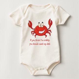 För pappor krabba lite krypdräkt