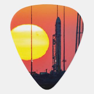 För raketsoluppgång för NASA Antares barkass Plektrum