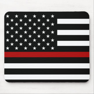 För röd linjeflagga för brandmannen vadderar den musmatta