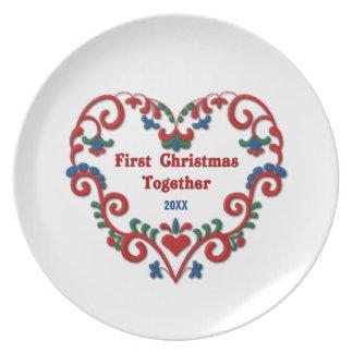 För skandinavisk hjärta första för jul tallrik