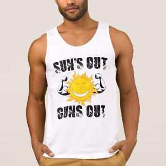 För solar ut för vapen strand för sommar ut tanktop