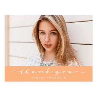 För studentenfoto för klassiker orange tack vykort