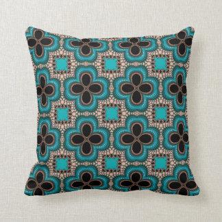 För typFractal för turkos blom- dekorativ kudde