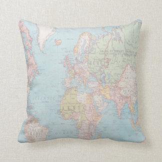 För världskarta för vintage pastellfärgad kudde