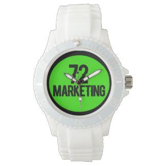 för vitklocka för logotyp 72marketing sportiga armbandsur