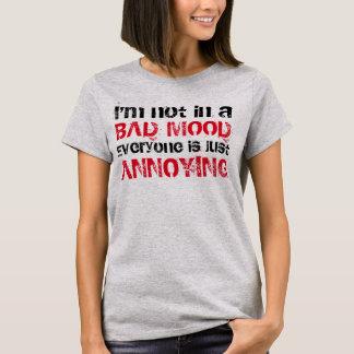 """""""Förargar alla precis"""" t-skjortan Tee Shirts"""