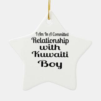 Förhållande med den kuwaitiska pojken julgransprydnad keramik