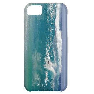 Förkroppsliga surfa den sandiga stranden iPhone 5C fodral