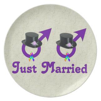 Formell glad manlig för ny gifta tallrik