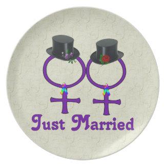 Formell lesbisk för ny gifta tallrik