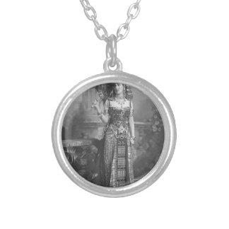 Forntida egyptisk dräkt för Victorian Silverpläterat Halsband