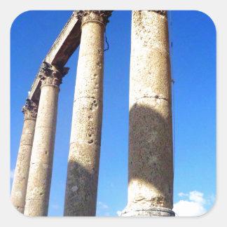 Forntida romerska kolonner fyrkantigt klistermärke