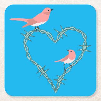 Förse med en hulling - binda hjärtafåglar underlägg papper kvadrat