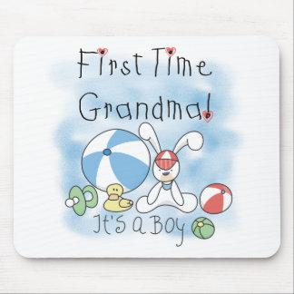 Först Time mormor av pojkeTshirts och gåvor Musmatta