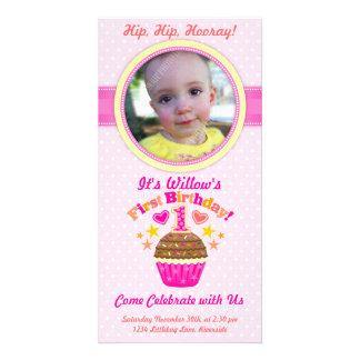 Första födelsedagmuffin (flickan) anpassingsbara fotokort