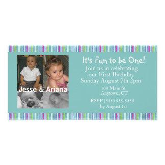 Första födelsedagsfest inbjudan för twillingar fotokort