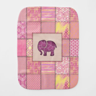 Förtjusande gladlynt gullig elefantpersonlig bebistrasa