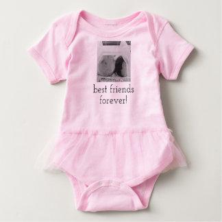 Förtjusande och unik bebisromper t shirts