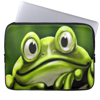 Förtjusande rolig gullig grön groda i träd laptopfodral