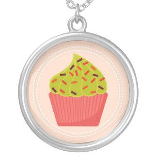 förtjusande rosa muffin silverpläterat halsband