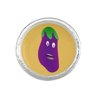 Förvånad aubergine av Kenneth Yoncich Ring
