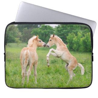 Fostra för föl för Haflinger hästar gulligt Laptop Fodral