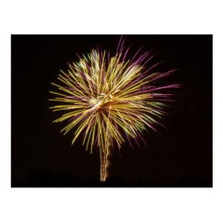 Foto av lilor och guld- Glimmery fyrverkerivisning Vykort
