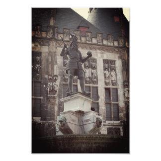 Foto av statyn av Charlemagne