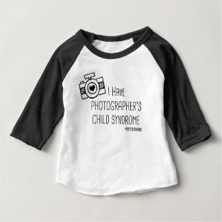 Fotograf barnsyndrom - spädbarn tshirts