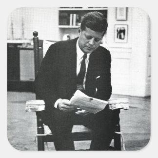 Fotografera av John F. Kennedy 2 Fyrkantigt Klistermärke