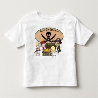 Fött att plundra - pojkepirater & skatt t-shirts
