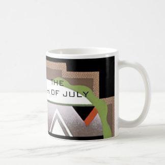 Fourth av muggen för Juli art décokaffe vid Janz Kaffemugg