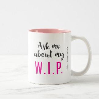 Fråga mig om min W.I.P. Två-Tonad Mugg