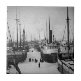 Frakter på den marin- staden Michigan för Kakelplatta