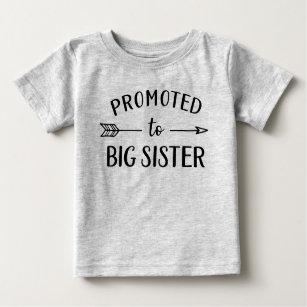 Främjad till storbilsmeddelandet Nyfödd bebis T Shirt