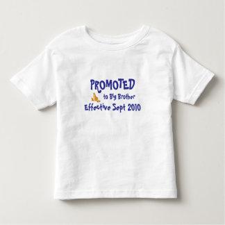 FRÄMJAT till storebrodern som är effektiv… T-shirts