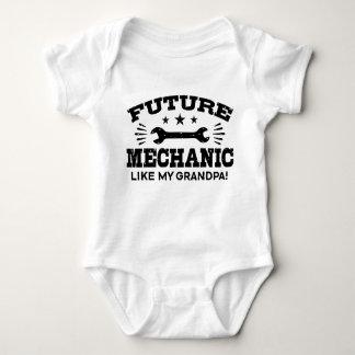 Framtida mekanikernågot liknande min morfar tshirts