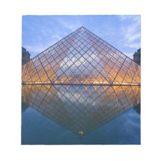 Frankriken Paris. Luftventilen på skymningen. Kred Anteckningsblock