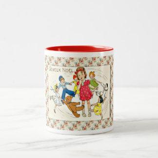 Fransk jul för vintage som dansar med dockor Två-Tonad mugg