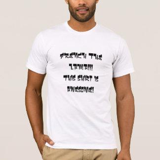 FRANSK LAMAEN!!! Denna skjorta är enorm! Tee Shirt