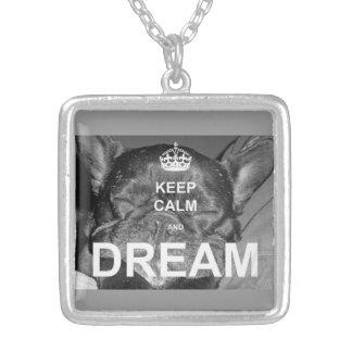 Franskt halsband för dröm för bulldoggbehållalugn