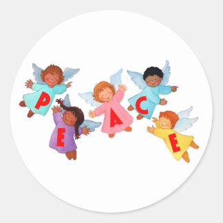 Fred med änglar runt klistermärke