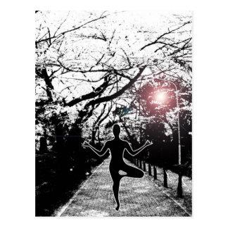 Fred och balanserar - Yogavykortet Vykort