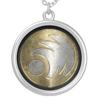 Freeborn emblemhalsband silverpläterat halsband