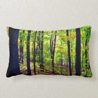 Fridsam skog lumbarkudde