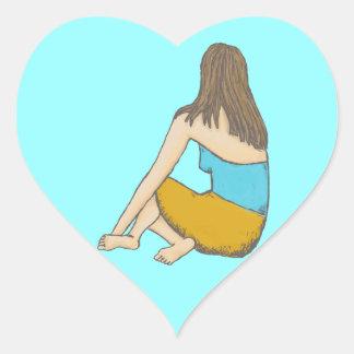 Fridsamt ögonblick placerad kvinnlig figur hjärtformat klistermärke