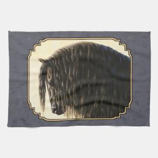 Friesianhästmörk kritiserar grått kökshandduk